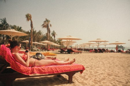 sunbathe at madinat jumeirah