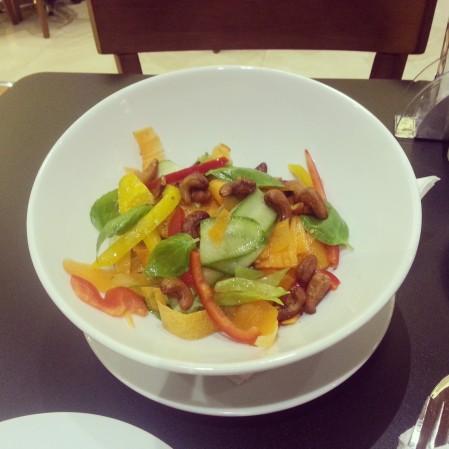 Fresh Thai Cashew Salad